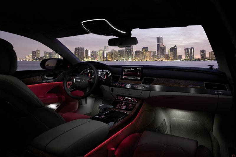 A8090061 in Kurz angefahren : Audi A8 4,2 FSI | Des Transporters neue Kutsche