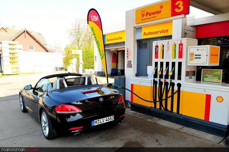 Tankstop mit BMW Z4 sDrive 35i by marioroman pictures